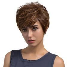Achat d'une perruque médicale femme, faut-il privilégier la fibre synthétique ou les cheveux naturels ?